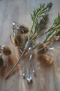 01-making-decorations-from-the-garden-thistles-and-mini-cones